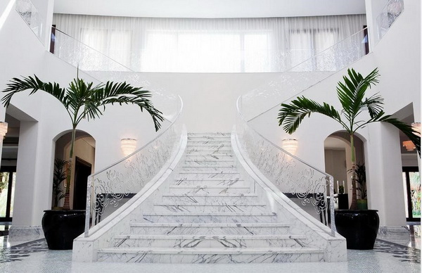 Gợi ý cách vệ sinh Cầu thang đá Marble trắng