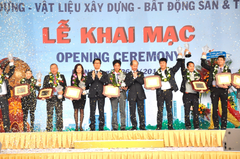 Tưng bừng khai mạc Triển lãm quốc tế Vietbuild Hà Nội 2014